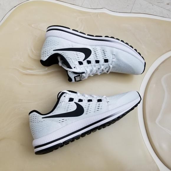 6e86bf464ec3 Nike Air Zoom Vomero 12 Women s Running Shoes. M 5a6d545000450f1da19d79dd